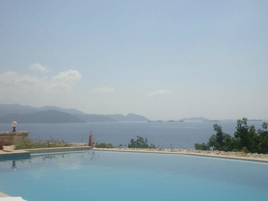 Lycia Hotel : vue de la piscine