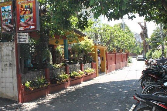 Chiang Mai Thai House: de straat