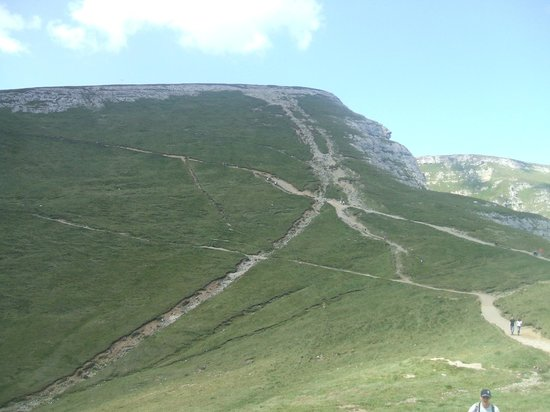 Bucegi  Mountains: No Busteni, um pico magnifico