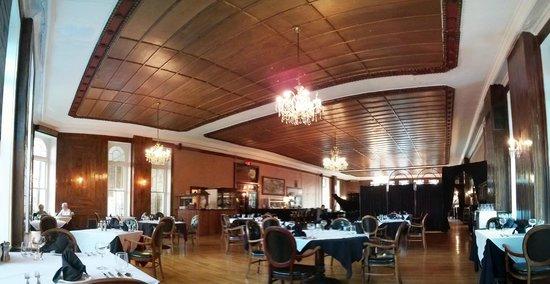 Crystal Dining Room: Dining room
