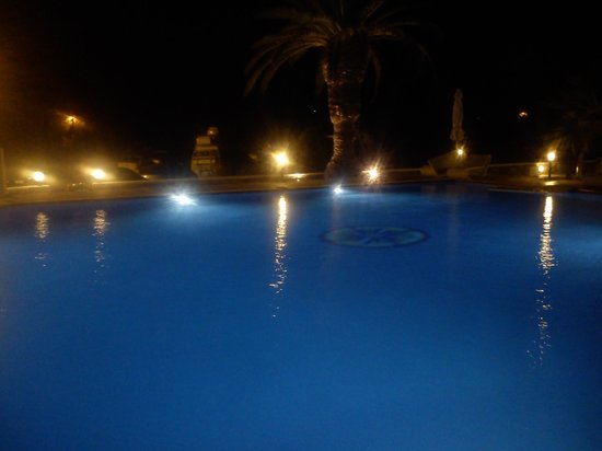 Galaxy Hotel: pool area
