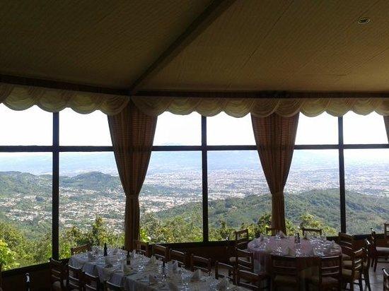 Aserri, Costa Rica: dentro del restaurante
