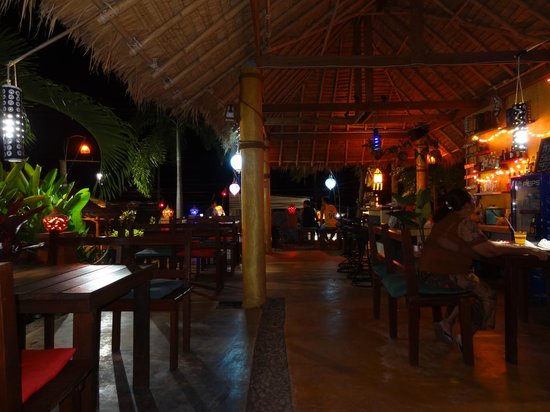 Galaxy Restaurant & Bar: Mellow and chilled....