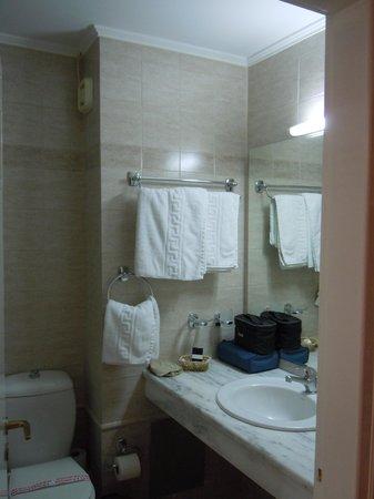 Neda Hotel: ottimo bagno al Neda di Olympia