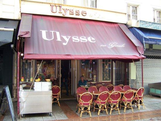 Ulysse en Gaule: Ulysse, early before the dinner crowd