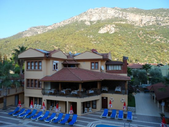 Belcehan Beach Hotel: View from balcony