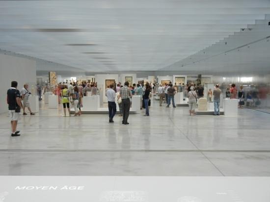 Louvre-Lens : La Galerie du Temps