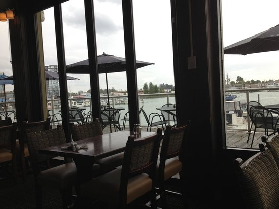 PIER 73 Restaurant: View from eating area, has nice bar and outside dining area on water too!