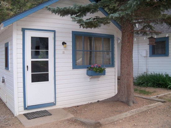 Whispering Pines Cottages On The River : Front door of Cabin 11