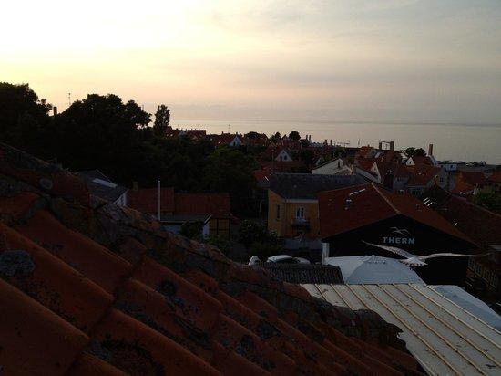 Hotel Gudhjem: Solnedgang fra terrassen