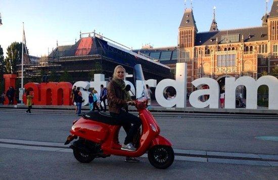 Scooter Rent Amsterdam - Rijksmuseum