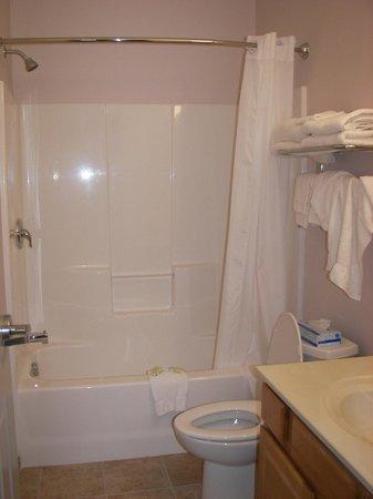 Shore Plaza Beach Resort: Bathroom