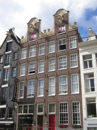 Hotel des Arts Amsterdam: Front of the Hotel
