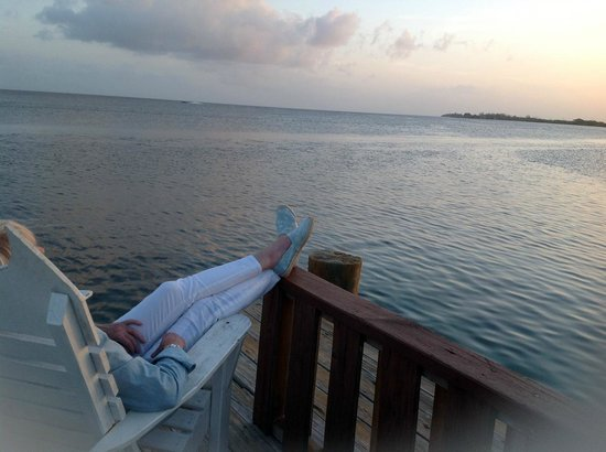 Utila Lodge: watching the sunset