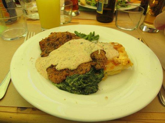 Le Croc'Odile : Chicken escallope with spinach, green beans, potato gratin