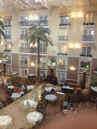 DoubleTree Resort by Hilton Hotel Lancaster : View to the ballroom from lobby