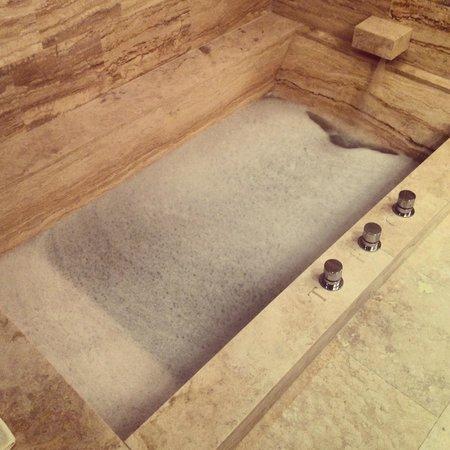 Castello di Velona Resort, Thermal Spa & Winery: Thermal bath