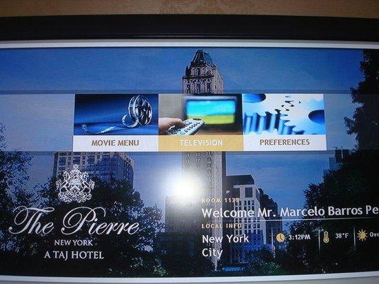 The Pierre, A Taj Hotel, New York: Você liga a TV e já recebe uma tela de boas-vindas