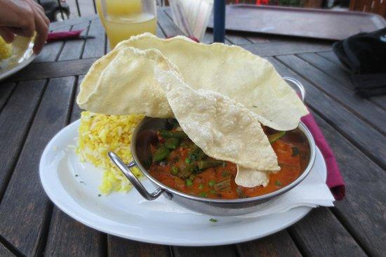 Bird in Hand : Veggie thai red curry