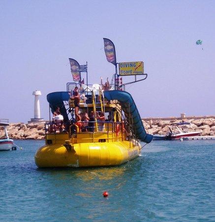 Yellow Submarine Boat Trip: Yellow Submarine