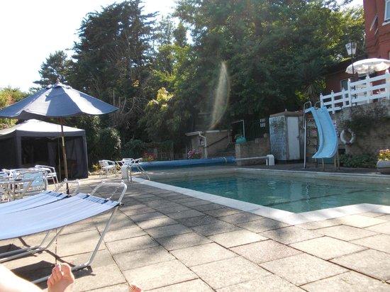 Oaklands House: pool