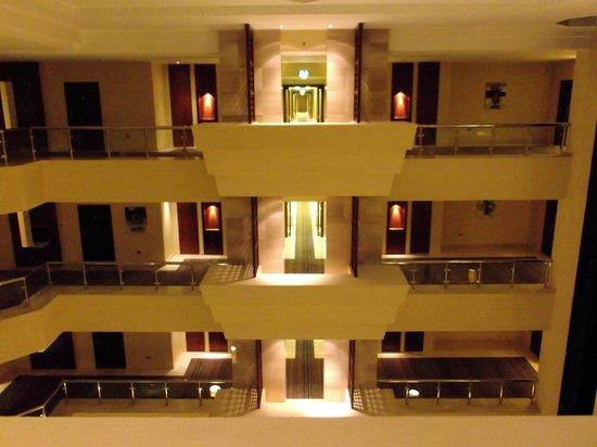 Crowne Plaza Sohar: Hall - view from corridor