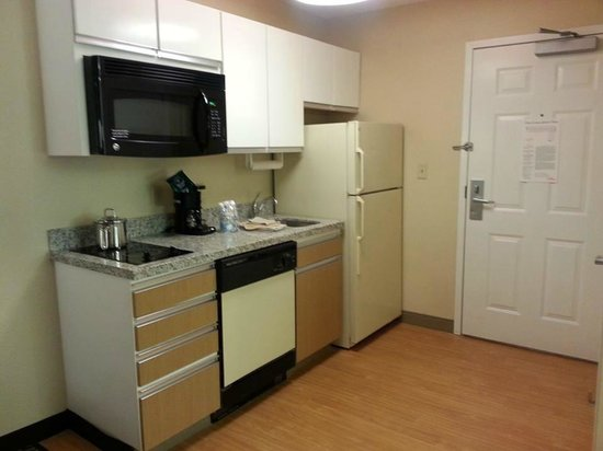 Hawthorn Suites by Wyndham Salt Lake City-Fort Union: Nice Kitchen for a longer stay