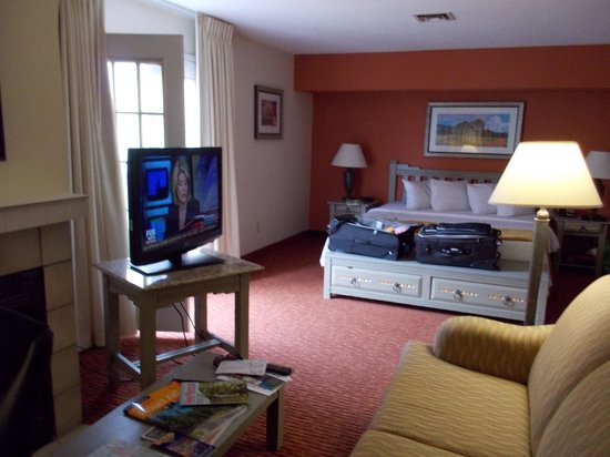 Residence Inn Santa Fe: Rooms large;  nice floor plan