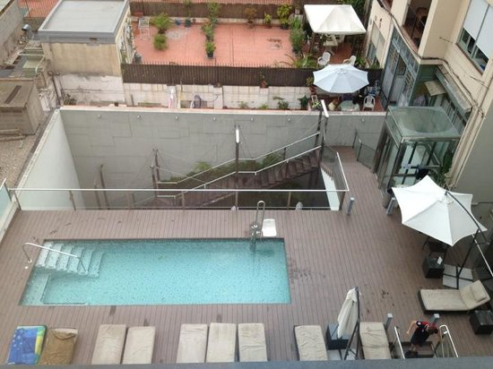 Grupotel Gran Via 678 : Small pool view from room 412