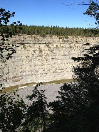 Auberge Port-Menier: paysage falaise