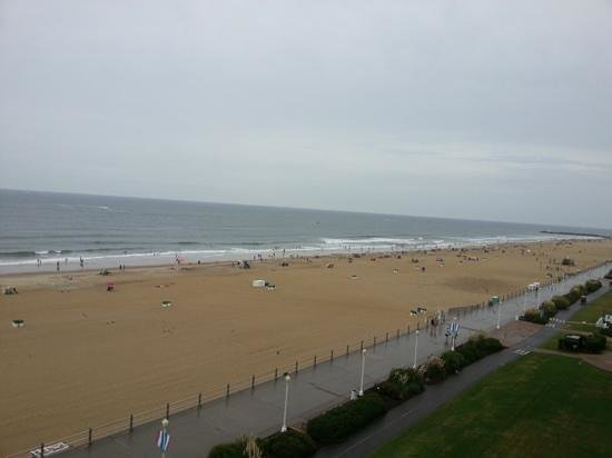 Four Points by Sheraton Virginia Beach Oceanfront: view from the 7th floor balcony facing right