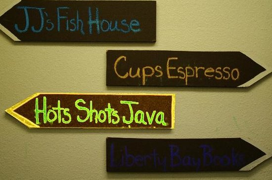 Hot Shots Java: Entering from the interior hall