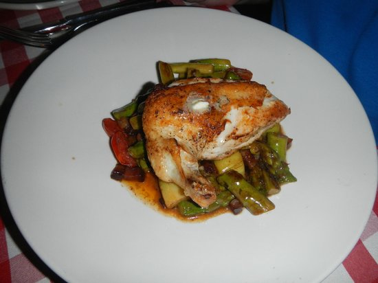 P.J. Clarke's DC: Crispy Farmers Chicken served over bed of roasted veggies