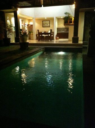 The Buah Bali Villas: Villa at night