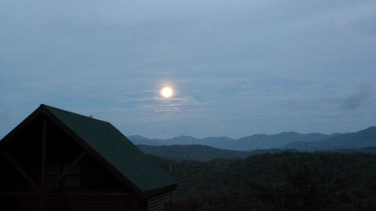Sherwood Forest Resort: Rare Blue Moon From Front Deck