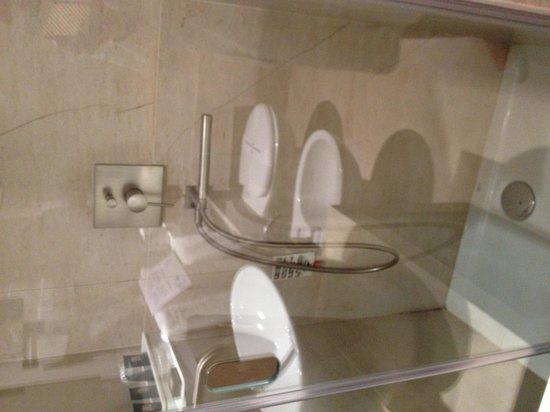 Porta del Tocco Design Suites: Bagno