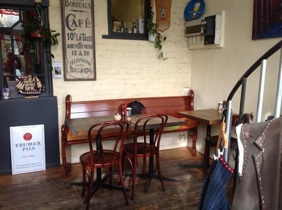 Breakfast and Beer: cosy corner