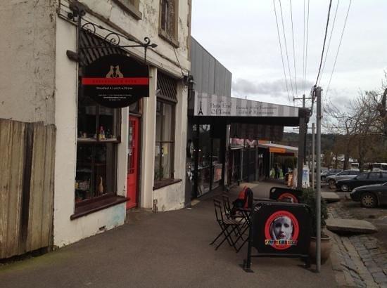 Breakfast and Beer: street view