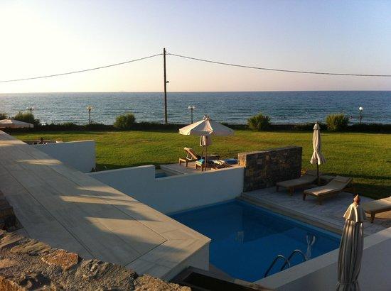 The Island Hotel : Sea view room
