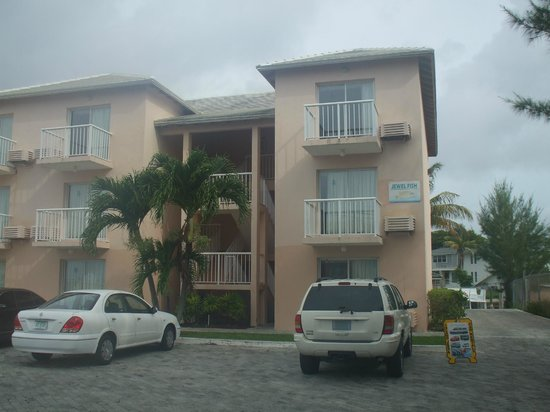 Island Seas Resort: Jewel Fish building