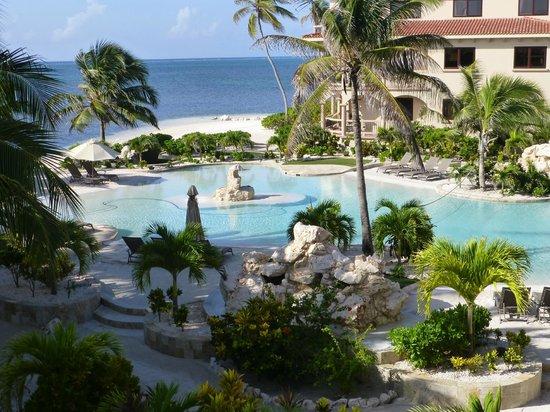 Coco Beach Resort: View from balcony