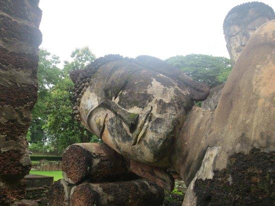 Kamphaeng Phet Historical Park - Picture of Kamphaeng Phet ...