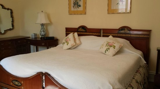 Pembroke, Islas Bermudas: Room on 1st floor off kitchen