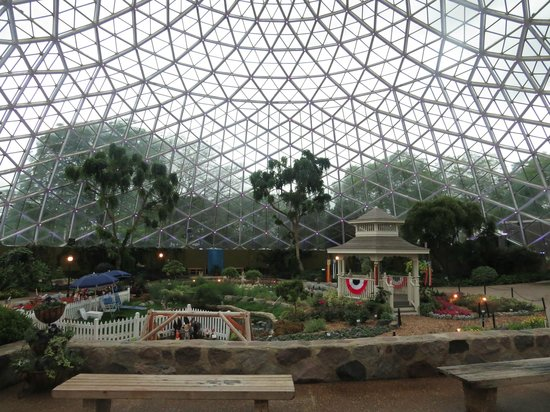 Mitchell Park Horticultural Conservatory (The Domes): The Show Dome