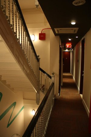 The MAve Hotel: Hallway