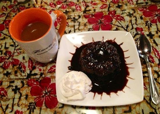 Flavours Restaurant: Chocolate Lava Cake and coffee for desert.