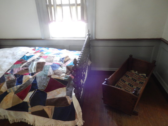 Stagville State Historic Site: Original crib of one of the sons