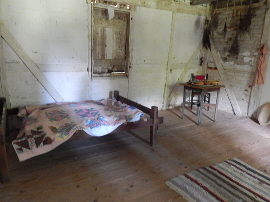 Stagville State Historic Site: Inside room in the slave quarters
