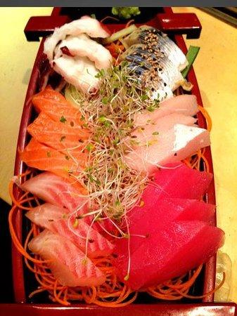 Cafe de Bangkok: sashimi deluxe