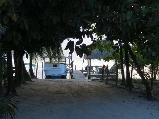 Sea Dreams Hotel : view of dock with chairs